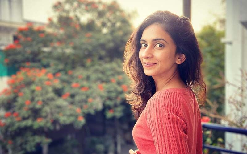Mrinmayee Godbole And Isha Keskar Share Backstage Shenanigans On The Social