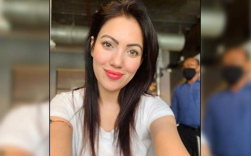 Taarak Mehta Ka Ooltah Chashmah's Munmun Dutta Says 'I Am Not On LinkedIn' As She Informs Fans About Imposters Pretending To Be Her