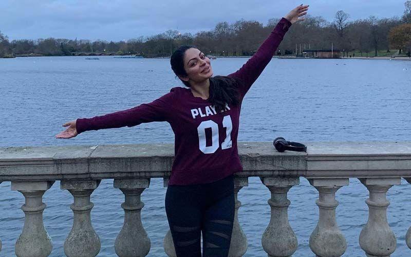 Neeru Bajwa Shares Glowing No Makeup Selfie On Instagram