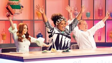 Nailed It Season 4: Stephanie Beats Her Twin Sister Stacey To Win The Sports-Themed Bake-Off