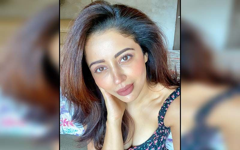 Nehha Pendse's Frown Is Upside Down With Mumbai's Traffic