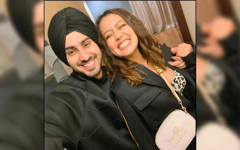 Holi 2021: Neha Kakkar Gives Fans A Glimpse Into Her Pre-Holi Fun With Family; Hubby Rohanpreet Singh Can't Keep His Hands Off The Singer - WATCH