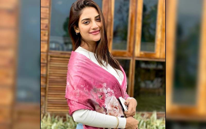 Bengali Actress And MP Nusrat Jahan Adds Fuel To Pregnancy Rumours As She Hides Her Tummy In Latest Photos