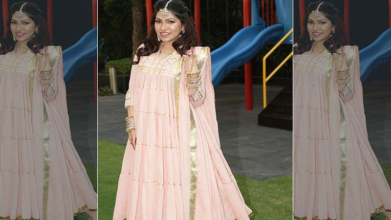 Singer Tulsi Kumar To Impact 5000 Lives; Singer Supports Mission Josh To Help Provide Free Oxygen Concentrators For Those Battling COVID-19 At Home