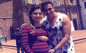 Diya Aur Baati Hum Actress Pooja Sharma Welcomes A Baby Girl