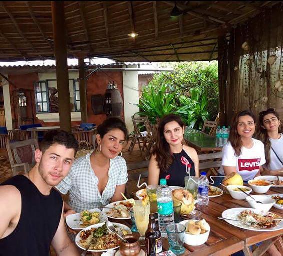 Priyanka Chopra And Nick Jonas Enjoying Lunch
