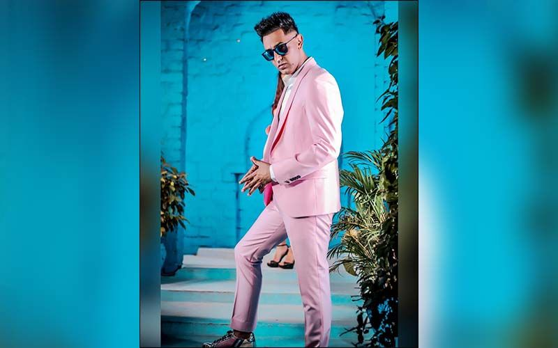 Gippy Grewal Shares Throwback Picture Of His College Day