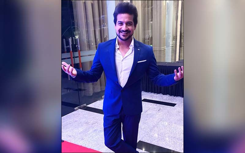 Pushkar Jog Spends Quality Time With The Family On A Long Drive
