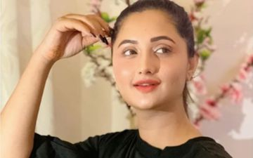 Days After Her Bank Statements Were Leaked, Bigg Boss 13's Rashami Desai Tries On Fun Filters Wile Singing Bollywood Tracks- MOOD