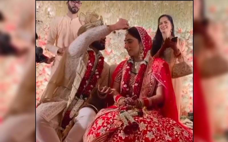 Rahul Vaidya-Disha Parmar Wedding: Actress Can't Stop Smiling As The Singer Puts Sindoor On Her Forehead -WATCH VIDEO