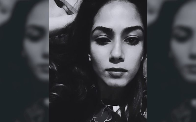 Mira Rajput's Late Night Selfie Is Gorgeous Enough To Make Men Go Weak In Knees