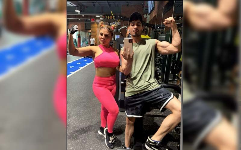 Bigg Boss 14's Rakhi Sawant Stuns In Pink Gymwear As She Flaunts Her Biceps; Check Out Her Gym Pic