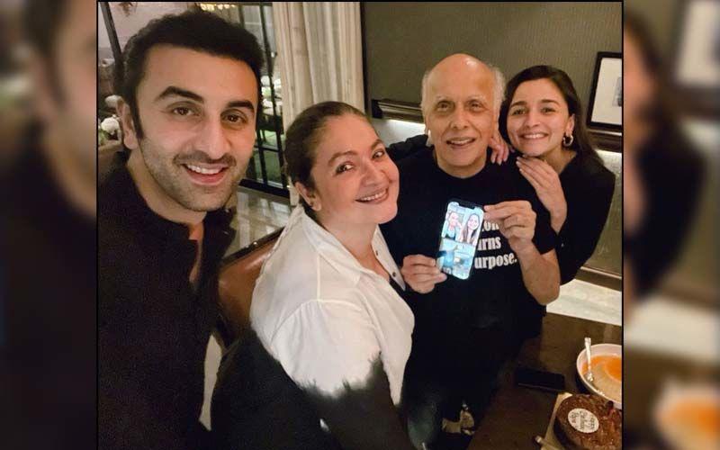 Ranbir Kapoor Joins Girlfriend Alia Bhatt And Pooja Bhatt For Mahesh Bhatt's Midnight Birthday Celebration; Soni Razdan And Shaheen Attend The Party Virtually