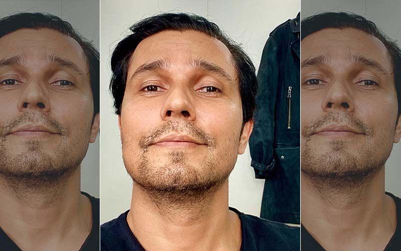 Netizens Trend 'Arrest Randeep Hooda' On Twitter After An Old Video Of The Actor Making A Casteist Joke On A Politician Goes Viral