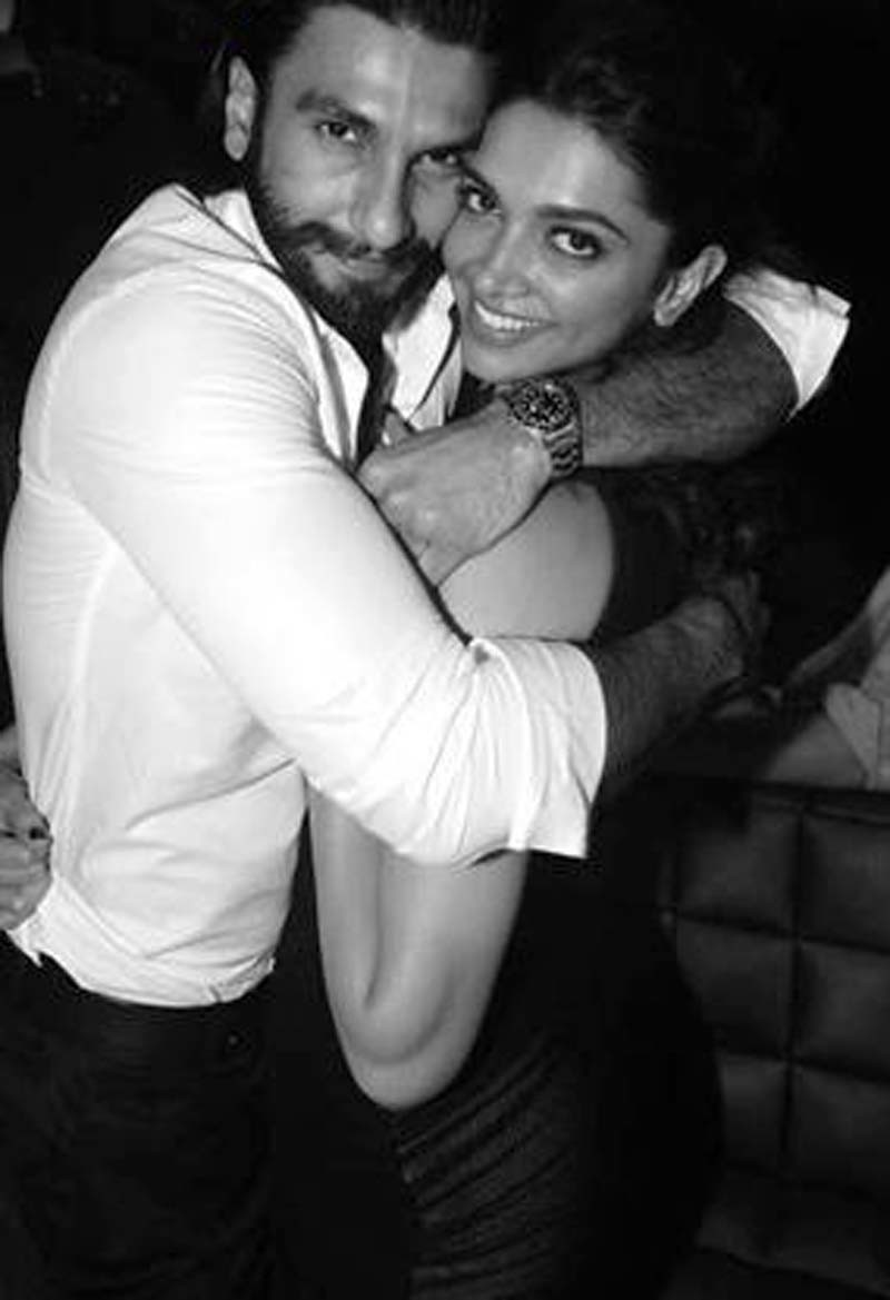 Ranveer Deepika Romantic Picture