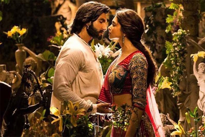 Ranveer Deepikas Still From Ramleela