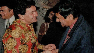 Rishi Kapoor Shares Picture Of Him With Veteran Actor Dev Anand On His Birth Anniversary; Says He Was Young At Heart