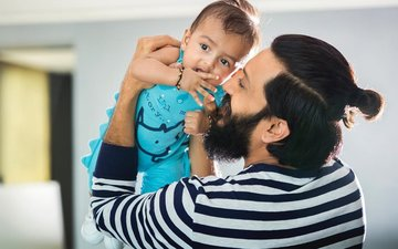 Riteish Deshmukh Shares The First Picture Of His Newborn