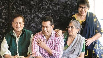 Salman Khan Makes A Short But Sweet Visit To Parents In Mumbai After 60 Days; Returns To His Farmhouse In A Few Hours
