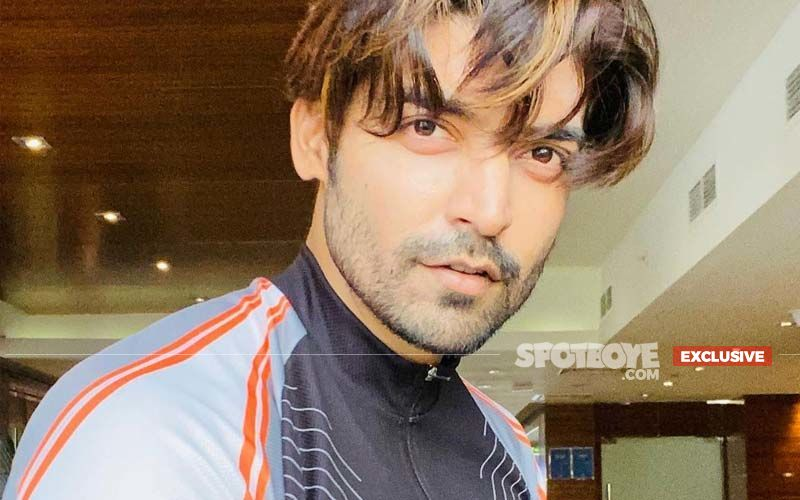 Gurmeet Choudhary Opens Up On His Philanthropic Work Amidst Coronavirus Crisis; 'The Sound of A Boy Pleading For Oxygen To Save His Mother Haunts Me' - EXCLUSIVE