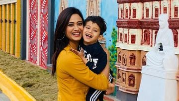 Shweta Tiwari Lovingly Gazing At Her 'Angel' Reyansh While He Gets Goofy Is Every Doting Mom Ever – PICS