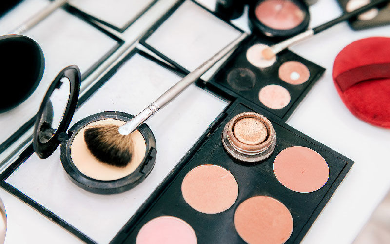 Karwa Chauth 2020 Makeup: Try These Simple Makeup Tips To Look Gorgeous On This Auspicious Day