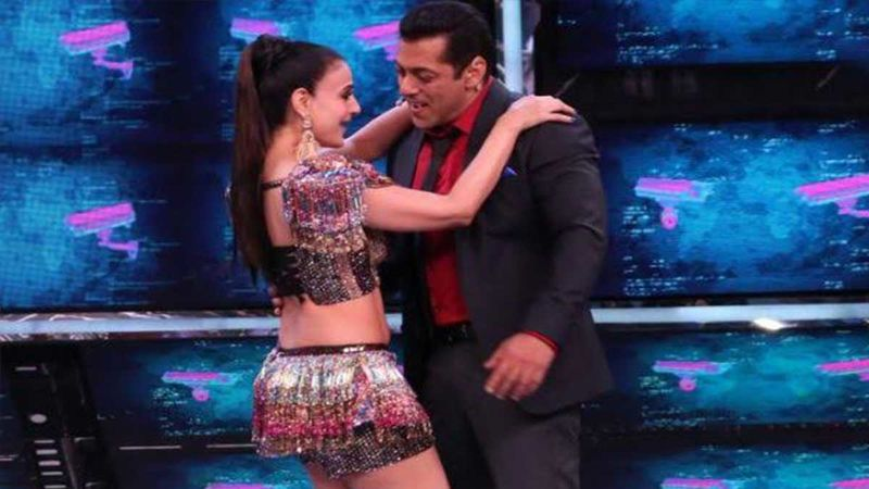 Bigg Boss 13: Malkin Ameesha Patel's Sudden Disappearance From Salman Khan's Show Is Raising Eye-Brows