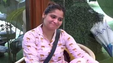 Bigg Boss 13: Arti Singh Is The Real Dost Of Shehnaaz Gill In The House- Watch Video