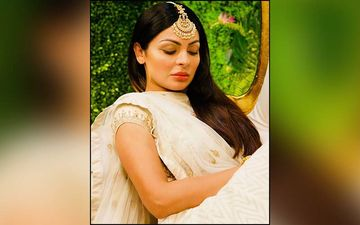 Neeru Bajwa Spends Quality Time With Her Family; Shares Pic On Instagram