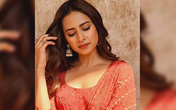 Sargun Mehta Is Looking Fresh As Dasiy In This Peach Coloured Suit
