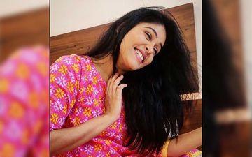 Akshaya Deodhar Unleashes Her Jizah Swag In This Dashing New Pose