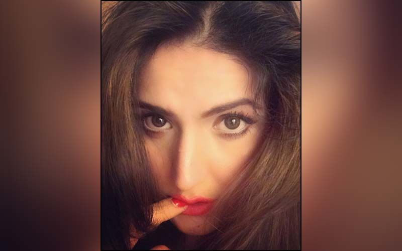Zareen Khan Is Missing Her Travel Days; Shares A Video On Instagram