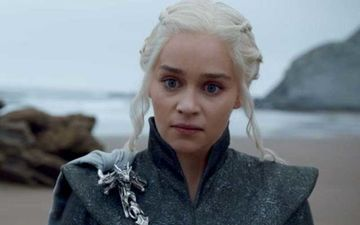 Game Of Thrones: Khaleesi Emilia Clarke Had 'Issues' With The Sexual Assault Scene; Author George RR Martin Criticizes Changes Made To The Original Plot