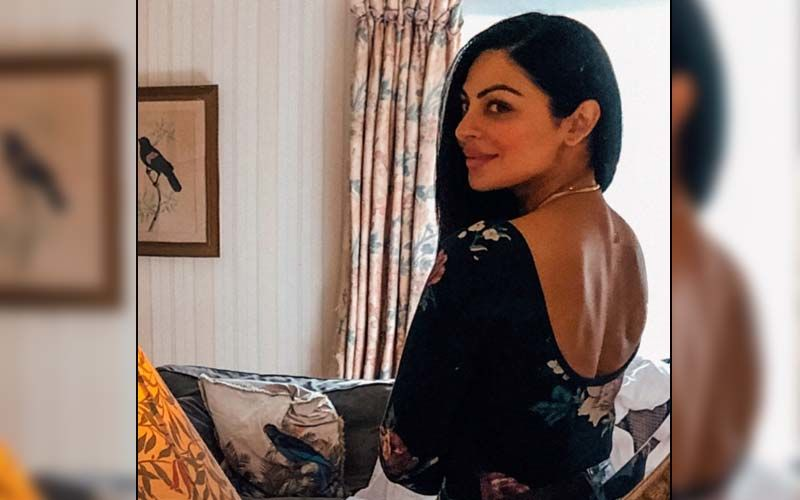 Neeru Bajwa Misses Her Daughter; Shares A Beautiful Pic On Instagram