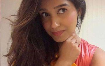 Rasika Sunil Promotes Her Debut Single In This Glamorous Marathi Traditional Look