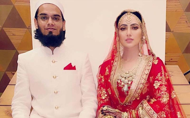 Newlywed Sana Khan Drops FIRST POST After Marriage; Shares A Pic Posing With Hubby Mufti Anas