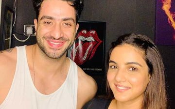 LEAKED- Bigg Boss 14 Contestants Jasmin Bhasin And Aly Goni Discuss Show Extension, Contract And Bad Ratings In An Audio Clip That Surfaced On Social Media