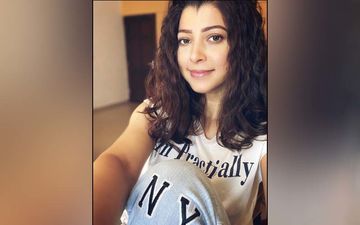 Tejaswini Pandit Enjoys Serenity Of Sunsets In This Cute Casual Look