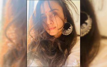 Amruta Khanvilkar Proves Yet Again She Is The Glamorous Diva Who Slays The Fashion Game