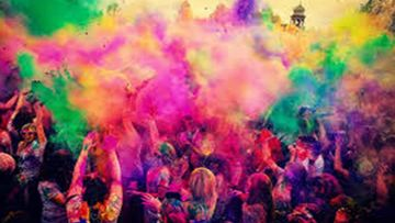Happy Holi 2020: Holi Hai Wishes, WhatsApp Messages, Facebook Status, Quotes, GIFs, SMS To Wish Family And Friends