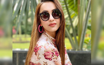 Koushani Mukherjee Looks Breathtakingly Beautiful In Pink-Coloured Saree