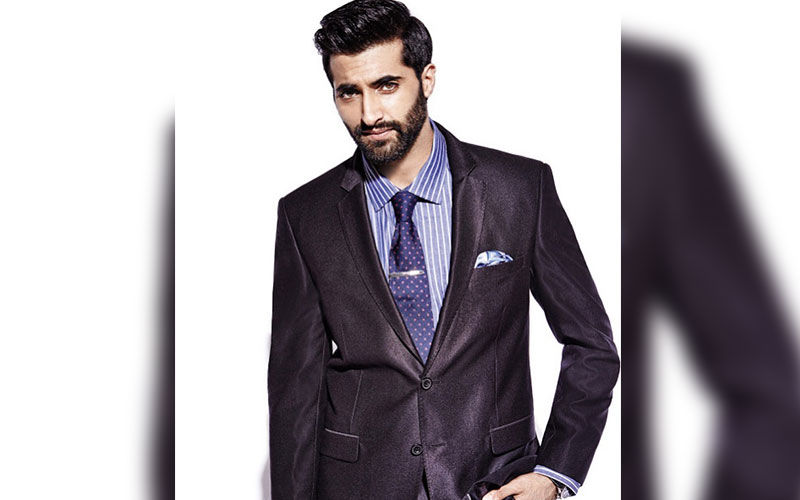 Akshay Oberoi EXCLUSIVE On Inside Edge Season 3, His New Show Illegal And How He's Spending The Quarantine Period