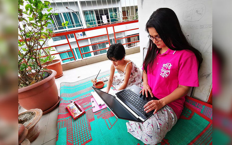 Rafiath Rashid Mithila Is Having Best Lockdown Time With Her Daughter