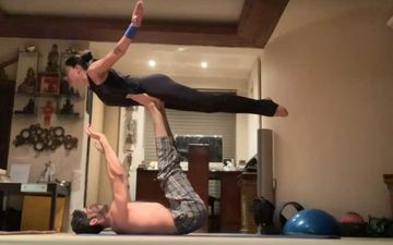 Sushmita Sen- Rohman Shawl Wow Us With Their Gravity-Defying Workout Video; Lady Explains The True Definition Of 'Rohmance'-WATCH
