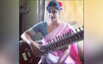 Mi Sangre: Marathi Actress Neha Mahajan Plays Sitar For International Singer And Musician Ricky Martin