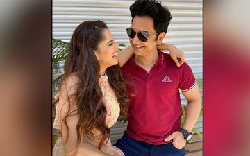 Actress Priya Bapat's PDA For Hubby Umesh Kamat Will Make You Go 'Aww'