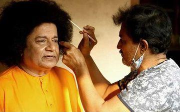 Bigg Boss 12 Contestant And Bhajan Samrat Anup Jalota Transforms Into Satya Sai Baba; Shares A Pic Asking Fans If He Looks Like A Replica