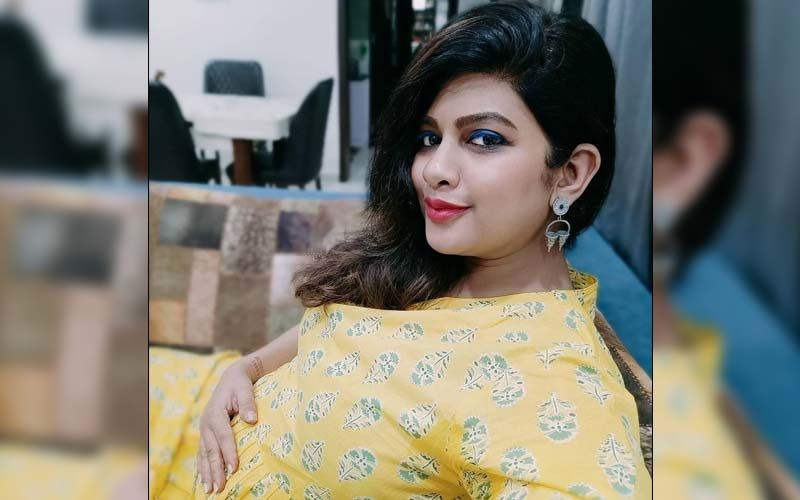 Dhanashree Kadgaonkar Sets Fashion Goals For Expecting Moms In This Pristine White Gown