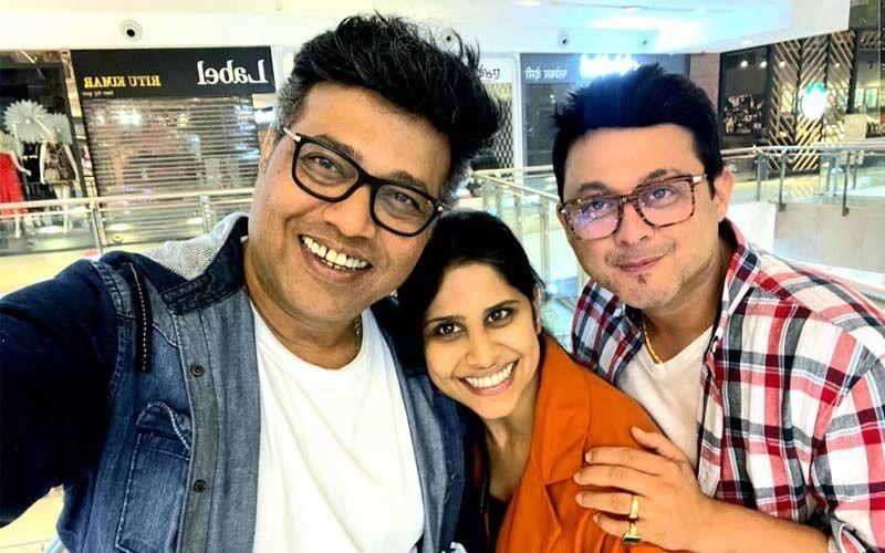 Sanjay Jadhav Bonds With His Tu Hi Re Fame Jodi Sai Tamhankar And Swwapnil Joshi
