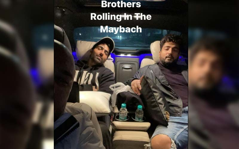 B Praak, Harrdy Sandhu And Jaani Snapped In A Swanky Car; Don't Miss This Sassy PIC